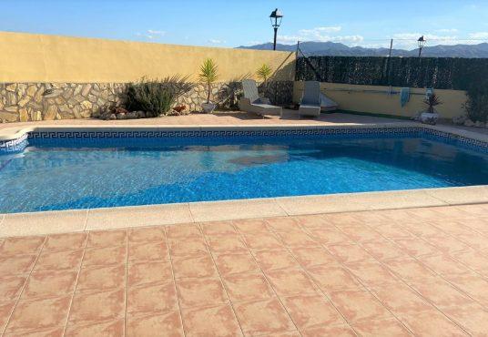 pool view (b)